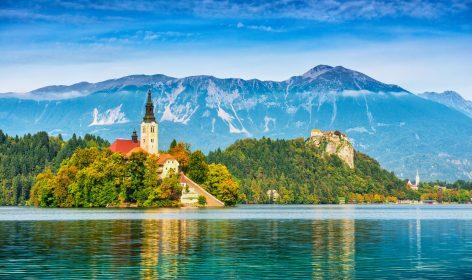 Chiesa Bled, lago in Slovenia, Alpi della Slovenia, montagne