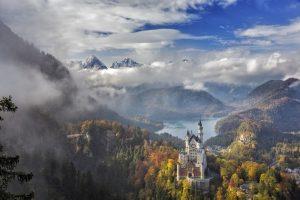 neuschwanstein, castello, baviera, alpi, bosco, natura, turismo, germania