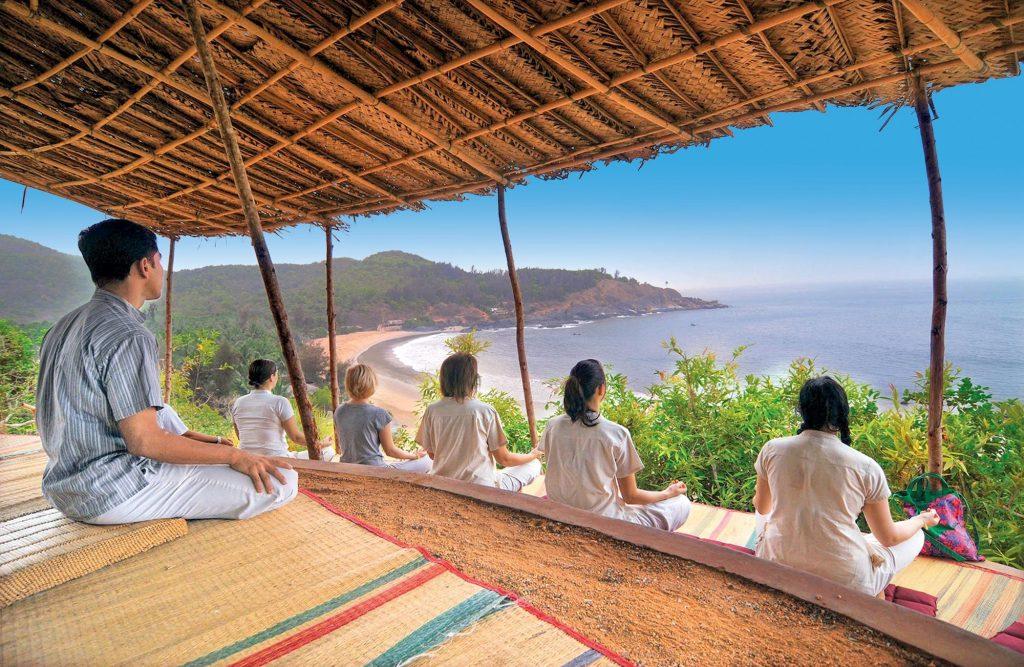 SwaswaraP, Vista della terrazza yoga con vista sul mare