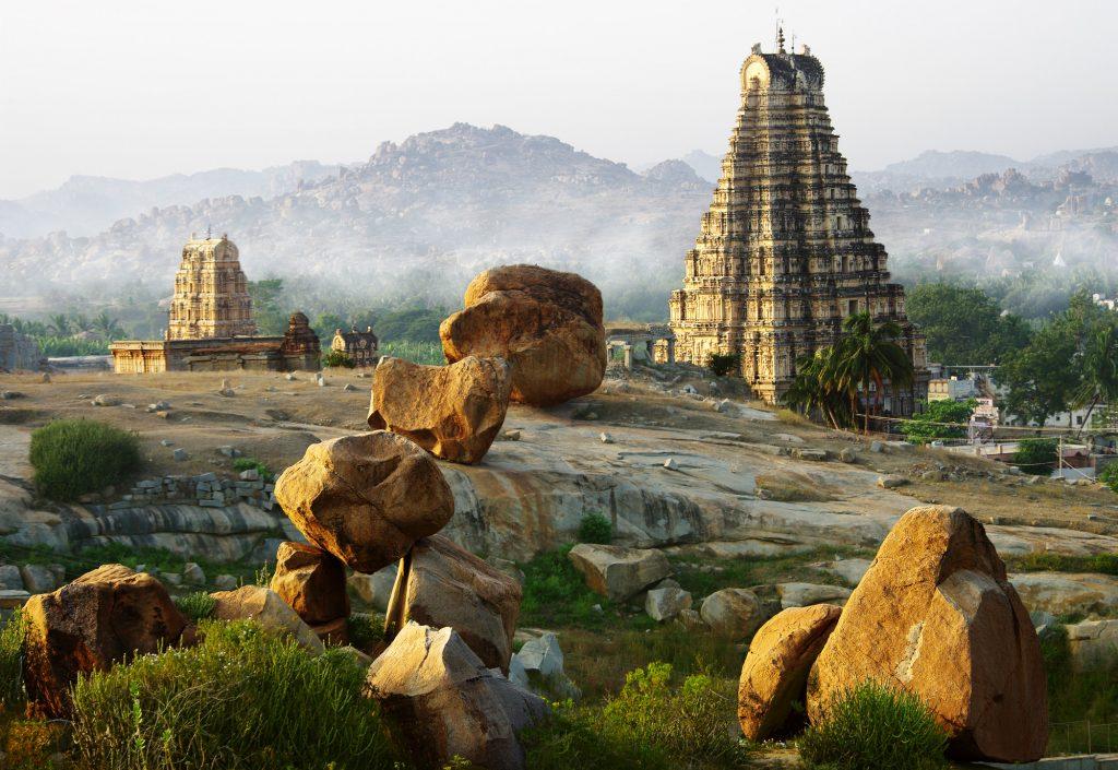 Vista delle rovine di Tamil Nadu in India