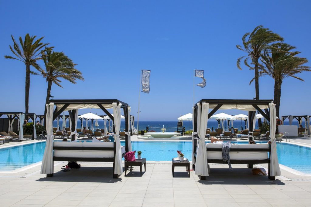 Vista piscina Los Monteros Spa