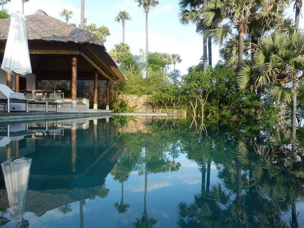 Shunyata Villas, vista esterna della piscina