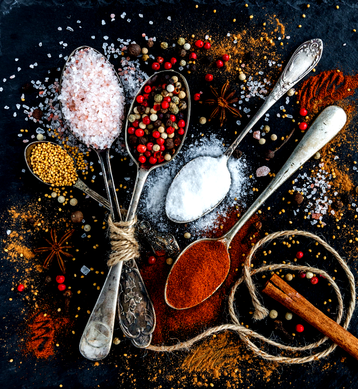cucchiai di spezie e zuccheri